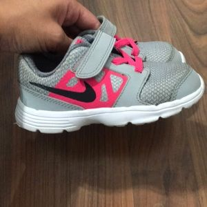 Zapatos Girl Nike Toddler Girl Zapatos Poshmark 9fb354